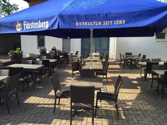 28a75ec9309442 Elsässer Gemütlichkeit drinnen und draußen - Picture of Le Feu ...