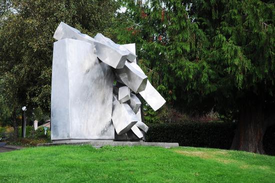 Veterans Park in Lynnwood WA - Sculpture