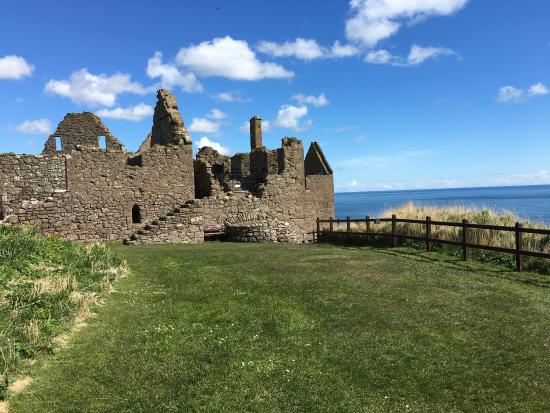Stonehaven, UK: Amazing place. Really recommend to go there. It is one of the most beautiiful castle in Scotland