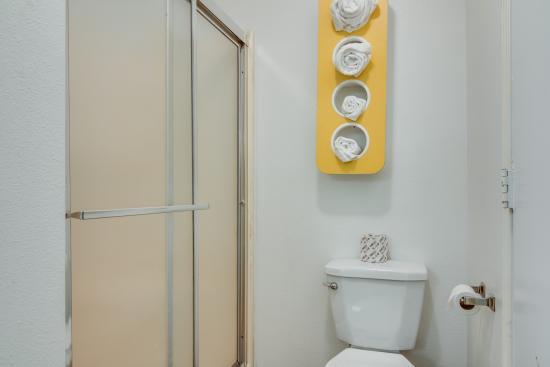 Longview, Teksas: Bathroom