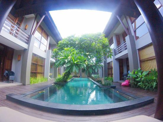 Casa Bidadari: pool and ground area of the villa.
