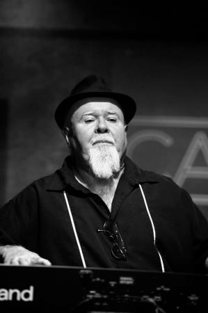 Drogenbos, Belgia: Gene Taylor (ex-Canned Heat, ex-Fabulous Thunderbirds, ex-Blasters) en mai 2016