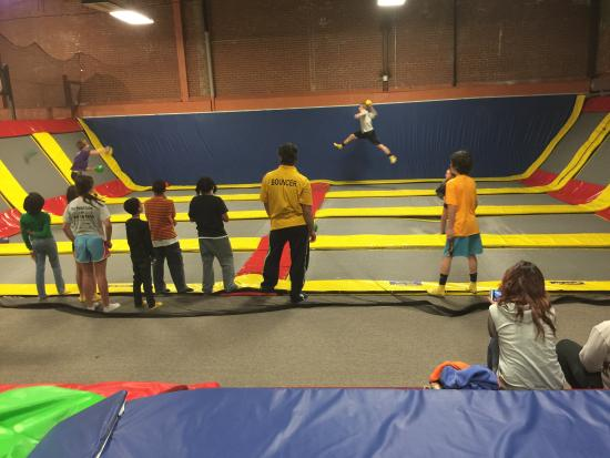 ‪Air Fun Trampoline Park‬