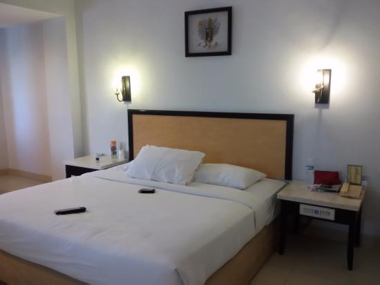 Comfort Hotel Dumai: Comfortable king size bed
