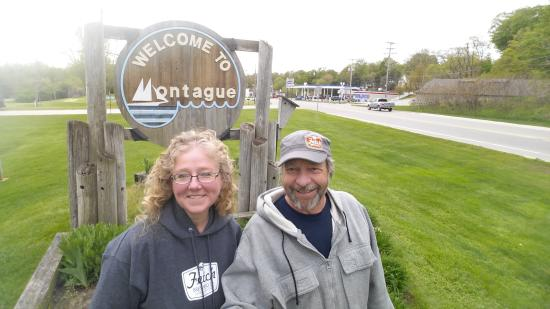 Montague, MI: Innkeepers, John and Valerie Hanson, welcome you!