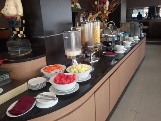 Dumai, Indonesië: Part of the buffet breakfast