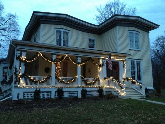 Finger Lakes Bed & Breakfast: Winter is wonderful