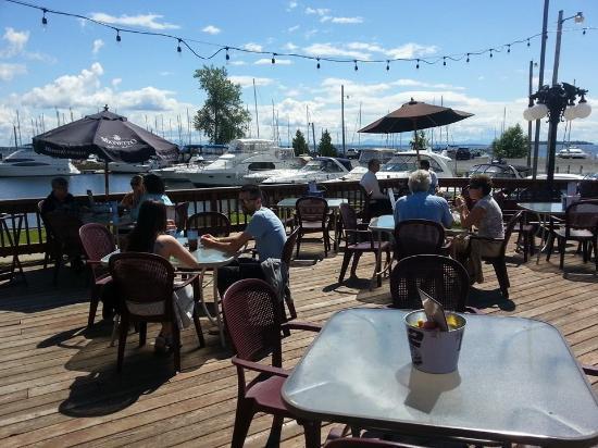 Restaurants on Lake Champlain | The Naked Turtle
