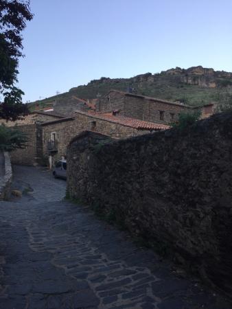 Patones, España: Calle de alrededor