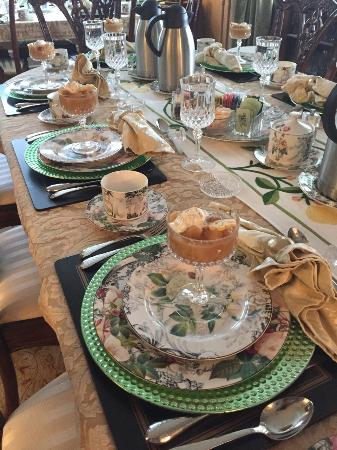 Abbington Green Bed & Breakfast Inn and Spa: The breakfast table set at Abbington Green Bed & Breakfast Inn. First course is on the table, re