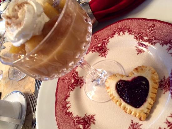 Abbington Green Bed & Breakfast Inn and Spa: Valentine's Day Breakfast first course