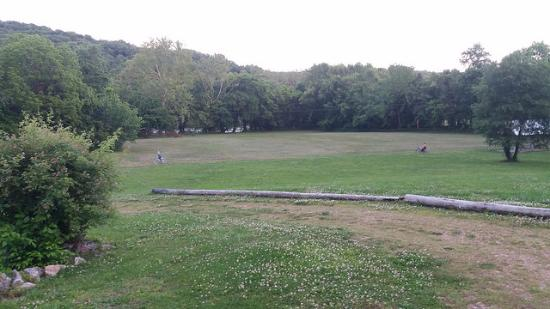 Galena, Μιζούρι: Large field for games and property is on James River