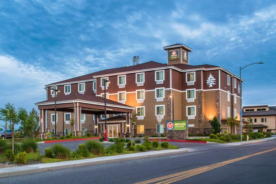 Red Lion Inn & Suites Kennewick Convention Center : Hotel Exterior