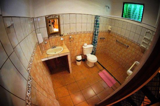 Cool Vibes Beach Hostel : Bathroom