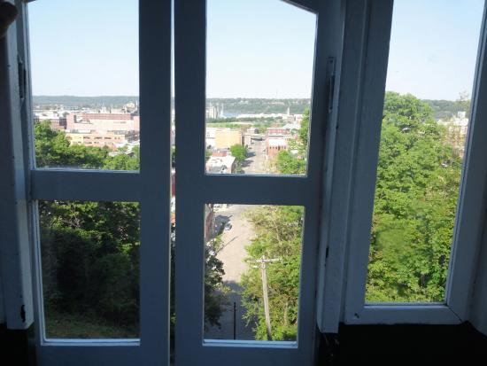 Dubuque, IA: The view from about halfway up the hill