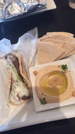 Hummus Mediterranean Cafe: photo0.jpg