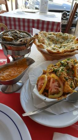 Excellent authentic north indian food the best chicken saag and paradise indian restaurant excellent authentic north indian food the best chicken saag and garlic forumfinder Images