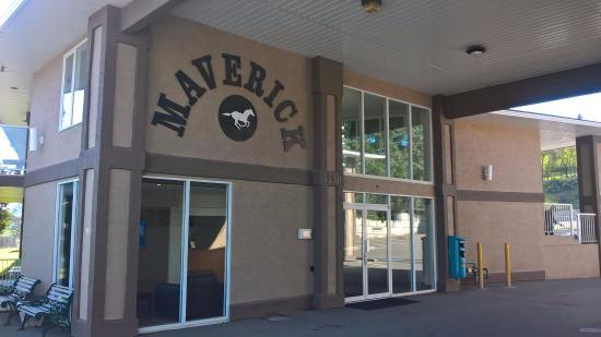 Maverick Motor Inn: Vue extérieure de l'hôtel