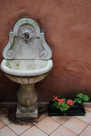 Alloggi Santa Sofia: Courtyard