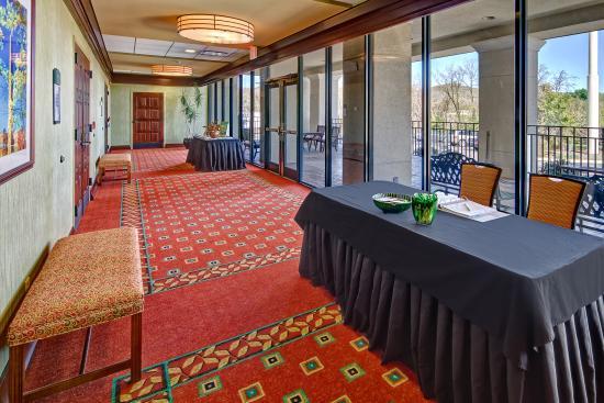 Holiday Inn-Asheville Biltmore West: Pre-Function Set Up
