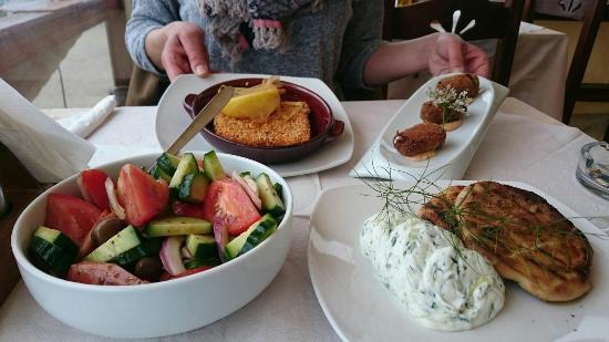 El Mar Traditional Greek Restaurant