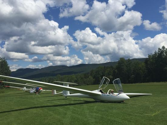 Warren, VT: soaring at the local airport