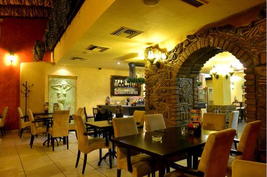 Inđija, Srbija: Ambijent restorana Minjon