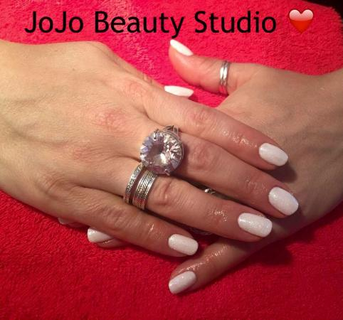 Brecon, UK: JoJo Beauty Studio