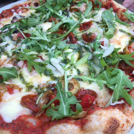 Med Terrace Restaurant: Pizza