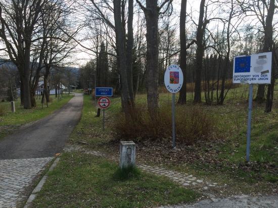 Joehstadt, Tyskland: Op 1 kilometer loopafstand van het hotel ligt de grens met Tsjechië..