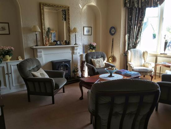 Ballater, UK: Lovely sitting room for guests to use
