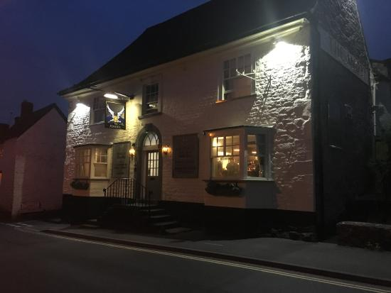 The Angel: Exterior at night