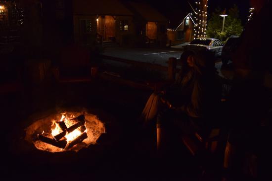 Tahoe Vista, Καλιφόρνια: Nightly campfire with S'mores