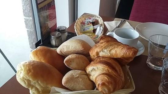 Les 100 Ciels: Petit-déjeuner