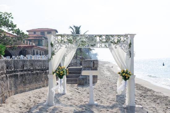 La Casa De Al Wedding Arbour Fake Fls