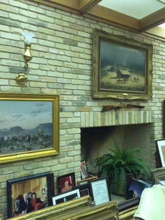 Uvalde, TX: Briscoe Art & Antique Collection - Just Excellent!