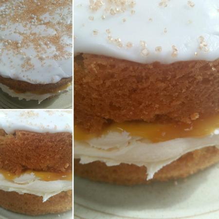 Great Torrington, UK: Vanilla sponge with passion fruit curd.