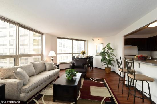 Corporate Suites Network at Presidential Towers: 2 Bedroom living/dining room