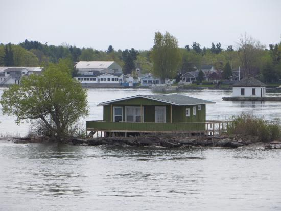 Gananoque, Kanada: Very small island