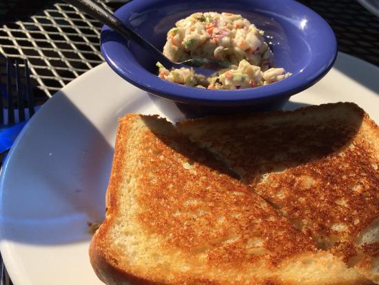 Fletcher, Carolina del Nord: Tuna melt with coleslaw