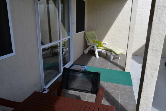 Coral Sands Apartments: Balcony in 3 Bedroom