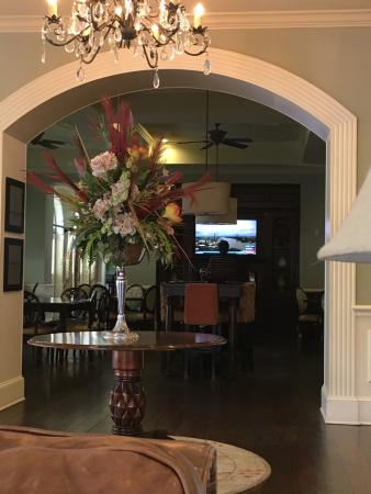 Hampton Inn & Suites Savannah Historic District: photo1.jpg