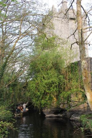 Утерард, Ирландия: Outside Aughnanure Castle 2016