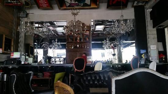 Praha Lounge & Cafe