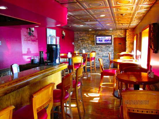 Chess N Checkers Pub & Restaurant: Inteior