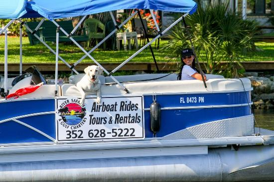 River Safaris And Gulf Charters: pontoon rental - fun on the naturecoast