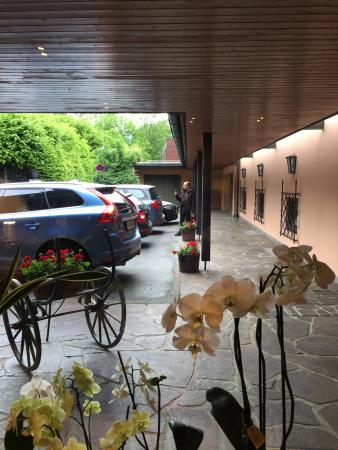 HAUS ARENBERG: The entrance area