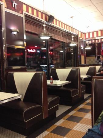 Table Talk Diner: Diner