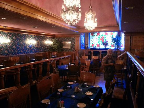Ike's Gold Nugget : Several levels in the dining room.