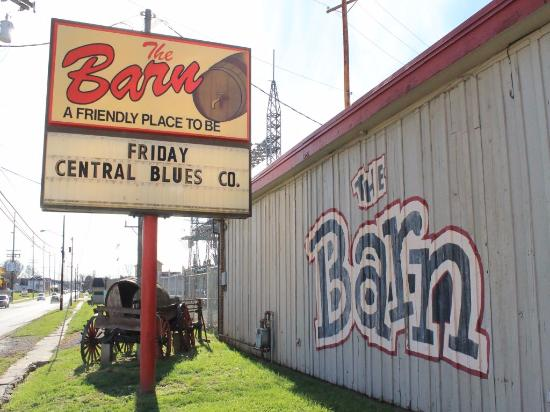 Zanesville, OH: Sports bar with live music, great food and friendly service.